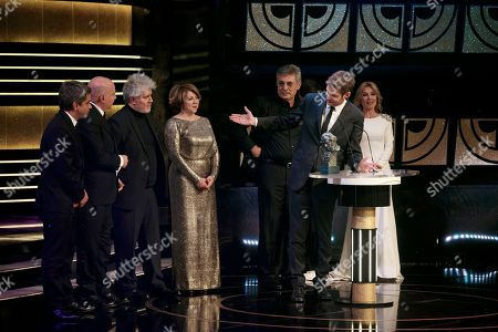Damian Szifron Argentinean director Damian Szifron, second right, acknowledge the producers after receiving the Goya award to the best Iberoamerican film for his movie 'Relatos Salvajes' at the Goya Film Awards Ceremony in Madrid, Spain