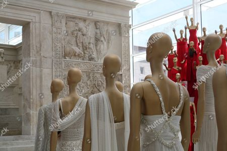 The exhibition includes 300 of Valentino's most significant designs. The show was designed by Patrick Kinmonth and Antonio Monfreda.