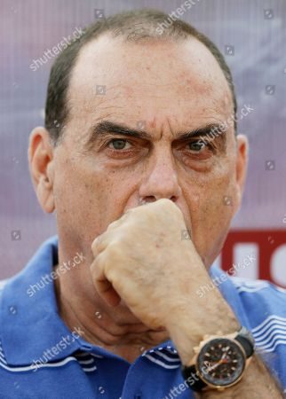 Ghana's head coach Avram Grant, watches their African Cup of Nations Group C soccer match against Algeria in Mongomo, Equatorial Guinea