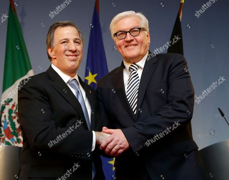 German Foreign Minister Frank-Walter Steinmeier, right, and his counterpart from Mexico Jose Antonio Meade Kuribrena, left, shake hands after a joint press conference as part of a meeting in Berlin, Germany