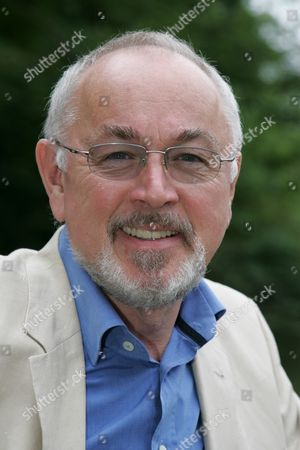 Peter Egan - The proceeds of the event went to the Alexandra Bastedo Animal Sanctuary