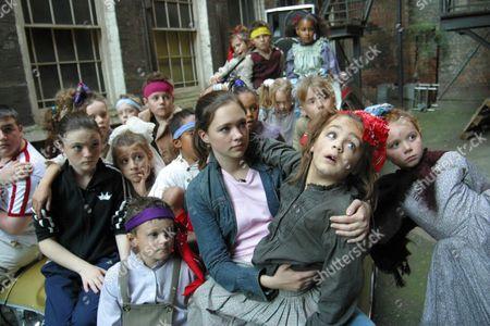 'Dangerville' - 2003 - L-R: Luke Gell, Finn Atkins, Olivia Newton and the orphans.