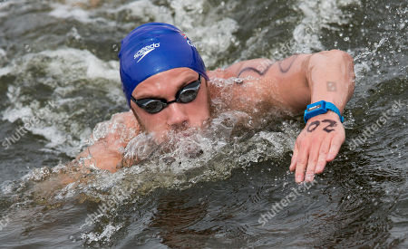 Daniel Fogg Daniel Fogg of Great Britain swims to win the men's 5km open water swim competition at the LEN Swimming European Championships in Berlin, Germany