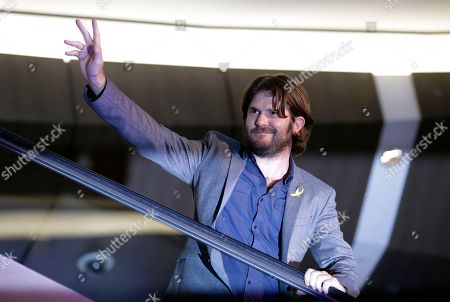 """Jonathan Liebesman Director Jonathan Liebesman waves for the fans during the red carpet event for his latest film """"Teenage Mutant Ninja Turtles"""" in Seoul, South Korea, . The movie will be released in South Korea on Aug. 28"""