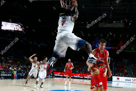 Kenneth Faried United States' Kenneth Faried, centre, dunks during the final World Basketball match between the United States and Serbia at the Palacio de los Deportes stadium in Madrid, Spain
