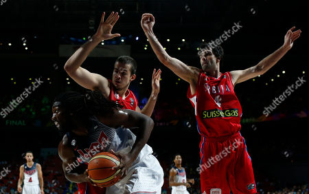 Kenneth Faried United States' Kenneth Faried, front left drives the ball to the basket during the final World Basketball match between the United States and Serbia at the Palacio de los Deportes stadium in Madrid, Spain