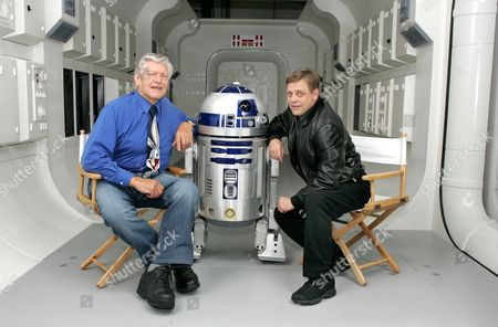 Dave Prowse (Darth Vader) and Mark Hamill (Luke Skywalker) were reunited to promote the Star Wars exhibition with R2D2