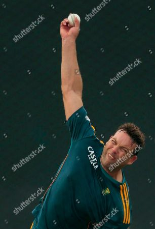 Jacques Kallis South African cricketer Jacques Kallis delivers a ball during a practice session ahead of their second one-day international cricket match against Sri Lanka in Pallekele, Sri Lanka
