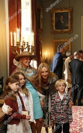 Uma Thurman and guests arriving for the civil partnership ceremony of Andrew Solomon and John Habich