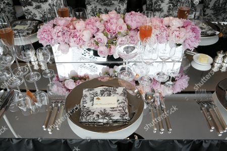 Table settings inside the marquee
