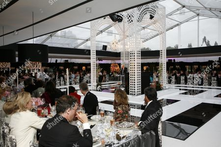 Andrew Solomon's father, Howard makes the first speech before dinner which was served in a purpose built marquee sumptuously decorated in black and white with pink roses and elaborate place settings, and with a central rostrum for the orchestra (and for speakers), surrounded by a black and white dance floor