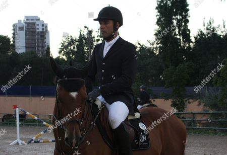 Doda Miranda on horseback during the competition