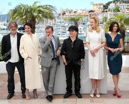 Pierre Ange Le Pogam, Jeanne Balibar, Tim Roth, Olivier Dahan, Nicole Kidman, Paz Vega From left, producer Pierre Ange Le Pogam, actress Jeanne Balibar, actor Tim Roth, director Olivier Dahan, actress Nicole Kidman, actress Paz Vega pose during a photo call for the film Grace of Monaco at the 67th international film festival, Cannes, southern France