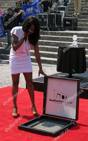 "Concha Buika Spain's singer Concha Buika unveils her plaque at the Paseo de las Lunas outside the National Auditorium in Mexico City, . Buika will perform songs from her latest album ""La noche más larga"" at the Lunario of the National Auditorium on Thursday"