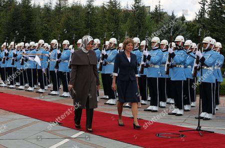 Daniela Schadt, Hayrunnisa Gul Daniela Schadt, the partner of German President Joachim Gauck, right, and Hayrunnisa Gul, the wife of Turkish President Abdullah Gul, follow the presidents during a ceremony at the Cankaya Palace in Ankara, Turkey, . Guack is on a four-day visit to Turkey