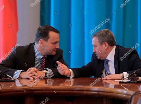 Andrii Deshchytsia, Radoslaw Sikorski Ukraine's Foreign Minister Andrii Deshchytsia, right, talks with Poland's Foreign Minister Radoslaw Sikorski during a meeting in Kiev, Ukraine