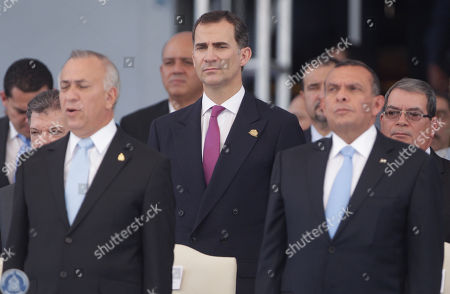 Mauricio Oliva, Felipe de Borbon, Porfirio Lobo Spain' Crown Prince Felipe de Borbon, attends the swearing in ceremony of Honduras' new President Juan Orlando Hernandez, not in photo, as Porfirio Lobo, right, Honduras former President and Mauricio Oliva, left, President of the National Congress stand in front of him on in Tegucigalpa, Honduras
