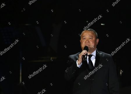 Eric Tsang Hong Kong actor Eric Tsang speaks during a memorial concert to mark the 10th anniversary of the death of Hong Kong singer-actress Anita Mui in Hong Kong, . Anita Maui was one of the most popular singer-actress in Asia. Mui released 30 Canto-Pop albums, more than 40 movies and held 292 concerts in worldwide. Mui died of cancer at the age of 40, on Dec. 30, 2003