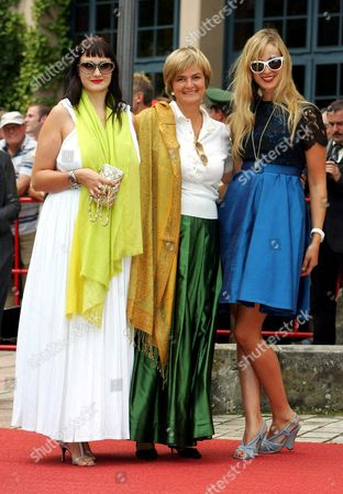 Gloria von Thurn und Taxis, Princess Elisabeth von Thurn und Taxis, and Princess Maria Theresia von Thurn und Taxis