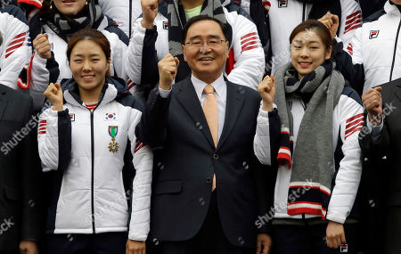 Kim Yu-na, Lee Sang-hwa South Korean Prime Minister Chung Hong-won poses with Kim Yu-na, right, Vancouver gold medalist for the women's figure skating, and Lee Sang-hwa, left, Vancouver gold medalist for skating, after the inaugural ceremony of South Korean national team for the Sochi Winter Olympics in Seoul, South Korea, . South Korea will send 64 athletes to Sochi which will be held from Feb. 7-23