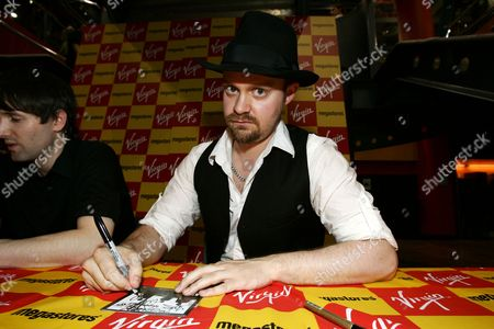 Editorial picture of Ash at Virgin Megastore, Oxford Street, London, Britain - 02 Jul 2007