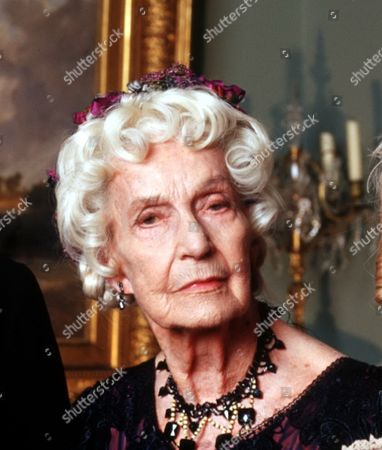 'The Forsyte Saga' - 2002 - Aunt Ann [Judy Campbell] [cropped]