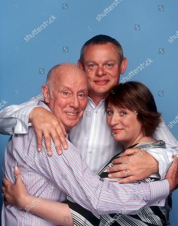 'Trapped'  TV - 2004 - Richard Wilson, Martin Clunes and Caroline Quentin