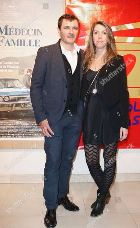 Stock Image of Film director Lucia Puenzo, right, from Argentina poses for a photo with Spanish actor Alexander Brendemuhl at the premiere of the film Medecin de Famille, (Family Doctor) in Paris