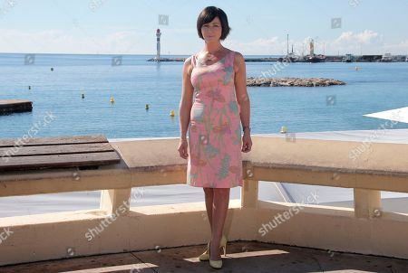 """Welsh actress Mali Harries posesduring a photocall at the 29th MIPCOM (International Film and Programme Market for Tv, Video,Cable and Satellite) in Cannes, southeastern France, . Mali Harries presents at the MIPCOM, the new detective drama TV series """"Hinterland"""