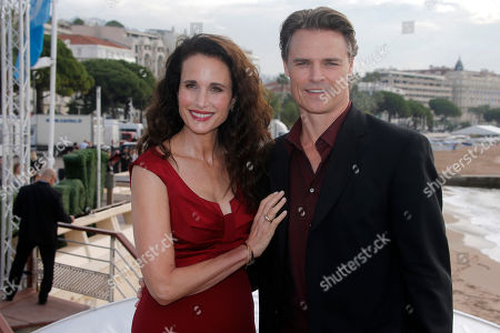 """American actress Andie MacDowell and Canadian actor Dylan Neal pose during a photocall at the 29th MIPCOM (International Film and Programme Market for Tv, Video,Cable and Satellite) in Cannes, southeastern France, . Andie MacDowell and Dylan Neal present the new series """"Cedar Cove"""" at the MIPCOM 2013"""