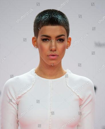 Alina Sueggeler German singer Alina Sueggeler of Frida Gold arrives for the Bambi 2013 media awards in Berlin, Germany