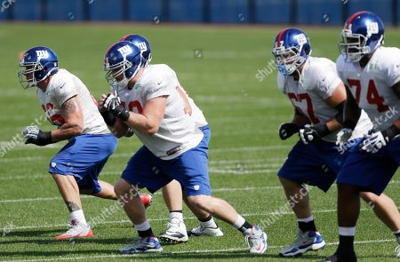David Diehl New York Giants tackle David Diehl, left, works out with members of the offensive line during NFL football practice, in East Rutherford, N.J
