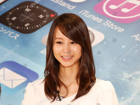 Maki Horikita Japanese actress Maki Horikita, attends a ceremony to mark the first day sales of the latest iPhones 5C and 5S at a store in Tokyo on Friday morning
