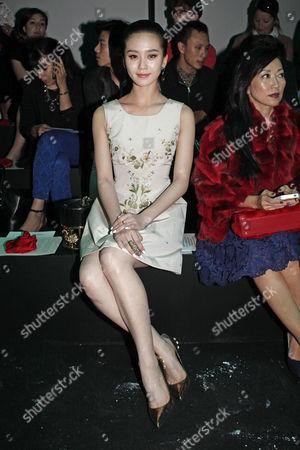 Liu Shishi Actress Liu Shishi poses as she attends the presentation of Shiatzy Chen's ready-to-wear Spring/Summer 2014 fashion collection, in Paris