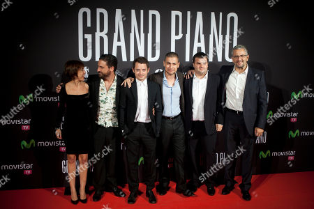 Eugenio Mira, Elijah Wood, Rodrigo Cortes, Adrian Guerra Spanish director Eugenio Mira (second to left), U.S. actor Elijah Wood (third to left) Spanish director and producer Rodrigo Cortes (third to right) and Spanish producer Adrian Guerra (second to right) pose at the premiere of the film 'Grand Piano' at the Callao cinema in Madrid, Spain