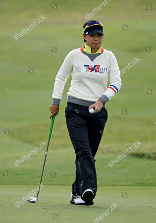 Yoo Sun Young Yoo Sun Young of South Korea collects her ball after finishing the 18th hole during the second day of the Sunrise LPGA Taiwan Championship tournament at the Sunrise Golf & Country Club, in Yangmei, north eastern Taiwan. Yoo finished 3 under at 69 leaving her tied in 2nd position with Carlota Ciganda of Spain