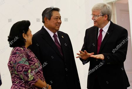 Kevin Rudd, Susilo Bambang Yudhoyono, Ani Bambang Yudhoyono Australian Prime Minister Kevin Rudd, right, talks with Indonesia President Susilo Bambang Yudhoyono, center, and his wife Ani Bambang Yudhoyono before a meeting at Presidential Palace in Bogor, West Java, Indonesia