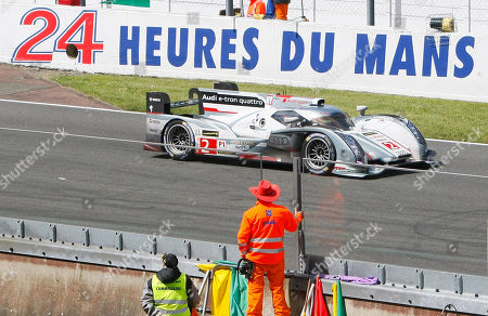 The Audi R18 E-Tron No2 driven by Tom Kristenssen of Denmark, Loic Duval of France and Allan McNish of Scotland in action during the 90th 24-hour Le Mans endurance race, in Le Mans, western France