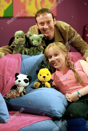 'Sooty Heights'   TV Richard Cadell and Vicki Lee Taylor with Sweep, Mikki, Soo and Sooty.