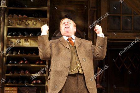 John Savident as Horatio Hobson