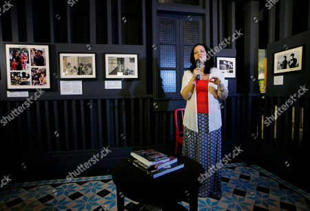 """Shannon Lee Shannon Lee, daughter of the late Kung Fu star Bruce Lee, speaks at the Lee's memorial exhibition """"Bruce Lee: Kung Fu, Art, Life"""" at the Hong Kong Heritage Museum to mark the 40th anniversary of the Lee's death"""