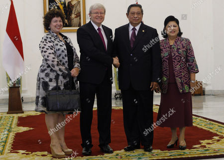 Kevin Rudd, Therese Rein Rudd, Susilo Bambang Yudhoyono, Ani Bambang Yudhoyono Australian Prime Minister Kevin Rudd, left, and his wife Therese Rein, left, pose for photographers with Indonesian President Susilo Bambang Yudhoyono, second right, and his wife Ani before a meeting at Presidential Palace in Bogor, West Java, Indonesia