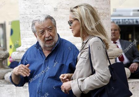 "Pupi Avati Sharon Stone Italian director Pupi Avati, left, talks to actress Sharon Stone during the shooting of his movie ""Un ragazzo d'oro"" in downtown Rome"