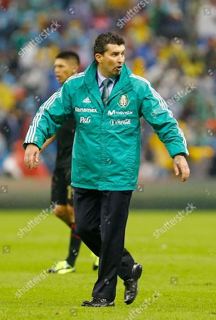 Jose Manuel de la Torre Mexico´s head coach Jose Manuel de la Torre walks on the field at the end of a 2014 World Cup qualifying soccer match with Honduras in Mexico City