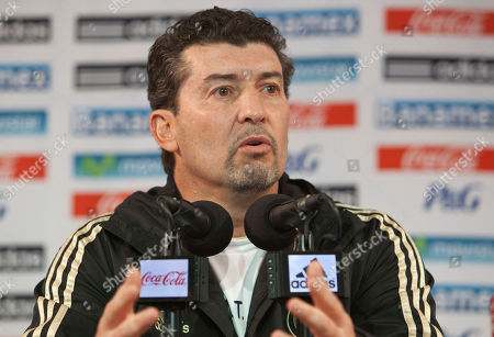Jose Manuel de la Torre Mexican national soccer team coach Jose Manuel de la Torre responds to questions during a press conference in Mexico City, . The Mexican national soccer selection will face Honduras in a 2014 World Cup qualifying match in Mexico City, Friday