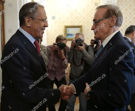 Sergey Lavrov, Bob Carr Russian Foreign Minister Sergey Lavrov shakes hands with his visiting Australian counterpart Bob Carr, right, prior to their meeting in Moscow on