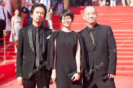 "Shima Onishi, Yoko Maki, Tatsushi Omori From left, Japanese actors Shima Onishi, Yoko Maki and film director Tatsushi Omori pose on the red carpet at the closing ceremony of the 35th Moscow International Film Festival in Moscow, Russia, on . Omori got a special prize for his film "" The Ravine of Goodbye"