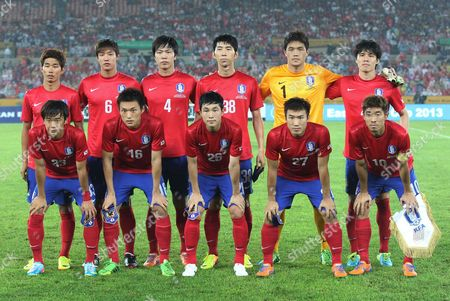 Yun Il-ok, Hong Jeong-ho, Kim Young-gwon, Kim Dong-sub, Jung Sung-ryong, Kim Chang-soo, Kim Jin-su, Lee Myung-joo, Lee Sung-gi, Go Yo-han, Ha Dae-sung South Korea's men national soccer team players, back row from left, Yun Il-ok, Hong Jeong-ho, Kim Young-gwon, Kim Dong-sub Jung Sung-ryong, Kim Chang-soo, front row from left, Kim Jin-su, Lee Myung-joo, Lee Sung-gi, Go Yo-han and Ha Dae-sung pose before East Asian Cup soccer match against Japan at Olympic Stadium in Seoul, South Korea