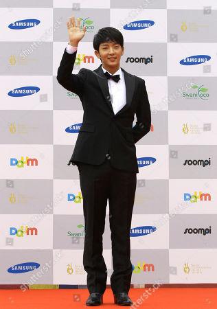 Lee Joon-gi South Korean actor Lee Joon-gi poses at the Seoul International Drama Awards in Seoul, South Korea
