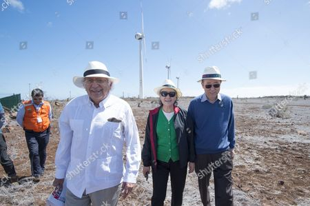 Secretary-General Visits Wind Turbines in the Galapagos Secretary-General Ban Ki-moon (right) and his wife, Yoo Soon-taek, visit wind turbines in the Galapagos. On the left, Horacio Sevilla Borja, Permanent Representative of the Republic of Ecuador to the United Nations.